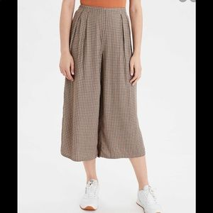 ✨2 for $45✨High-waisted plaid culotte